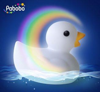 lampa-de-veghe-si-jucarie-baie-pentru-copii-si-bebelusi-pabobo-ratusca