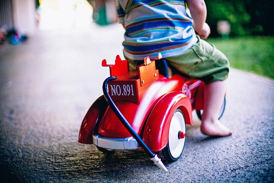 Cat costa cele mai noi jucarii pentru copilul tau?