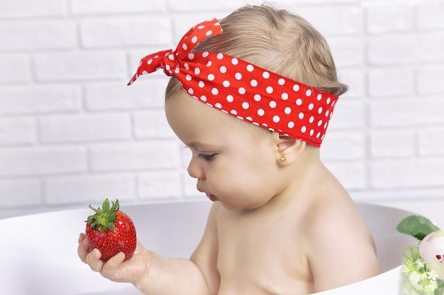 bebe mananca / diversificarea la bebelusi
